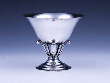 A medium-sized sterling silver footed bowl #17B