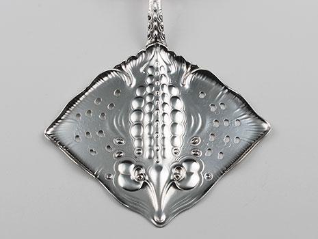 An Art Nouveau 830 grade silver fish server